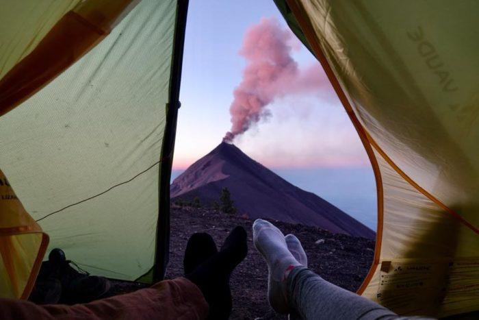 Acatenango ascension en solo dormir en tente