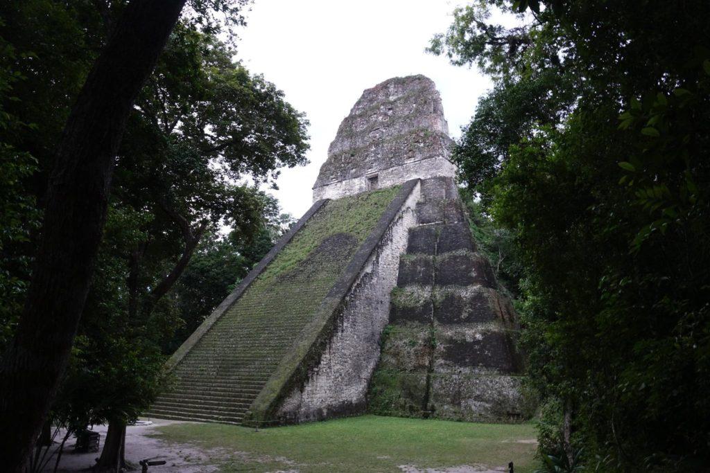 Tikal site archéologique maya guatemala