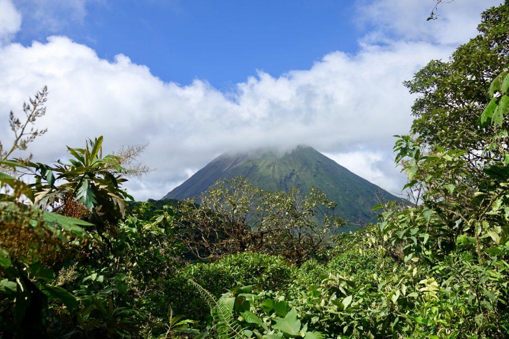 arenal volcan le plus connu du costa rica