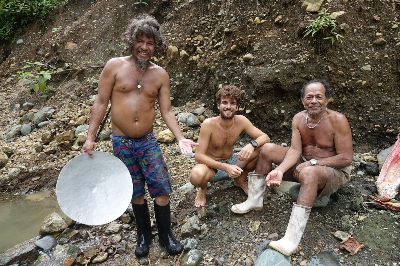 chercheurs d'or du Rio Tigre dans la péninsule d'Oza