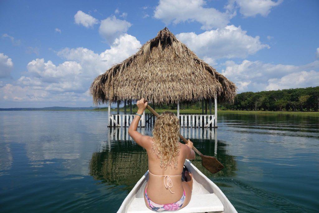 Flores Kayak voyage au guatemala
