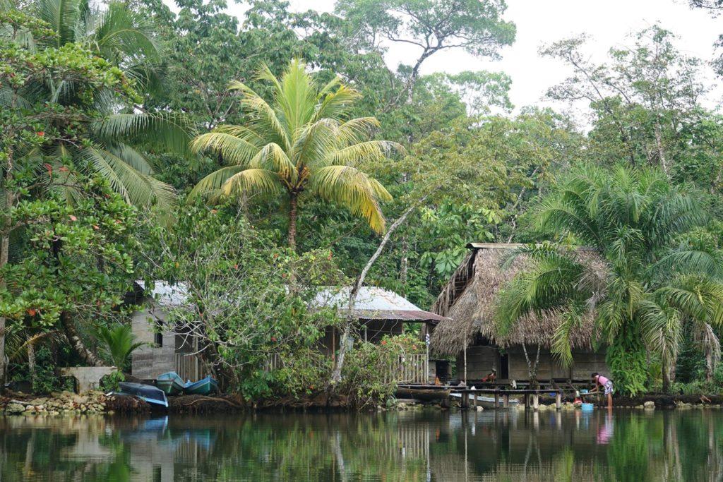Rio Dulce kayak, le guatemala loin des sentiers battus