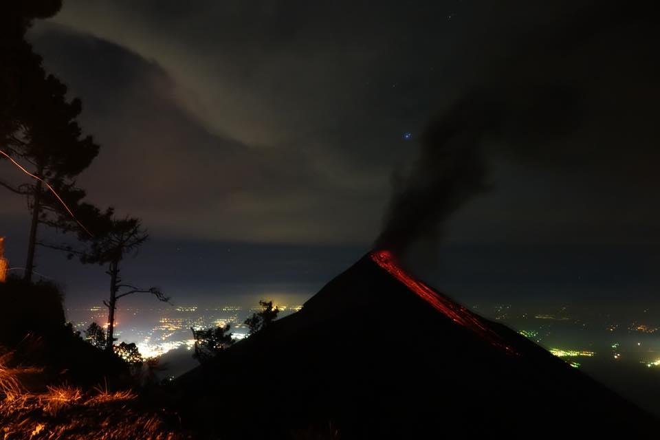 acatenango ascension du volcan sans uide lave