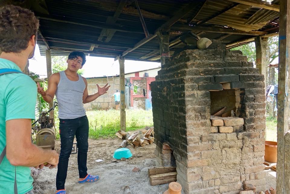 artisan potier san juan de oriente poterie barro four