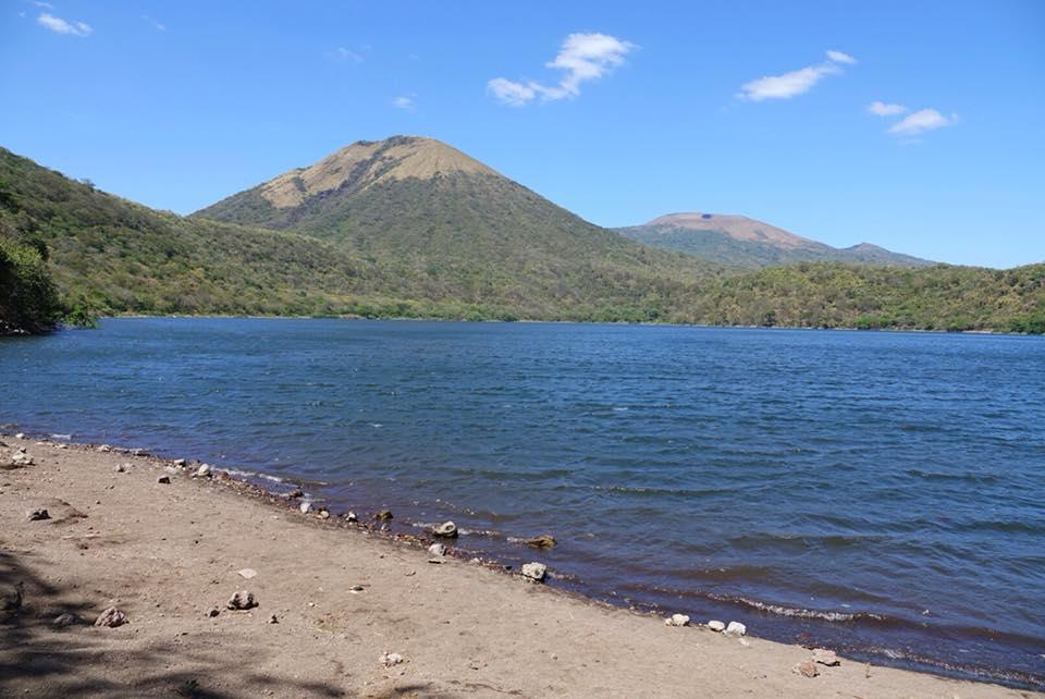 ascension volcans cerro negro et el hoyo laguna asososca