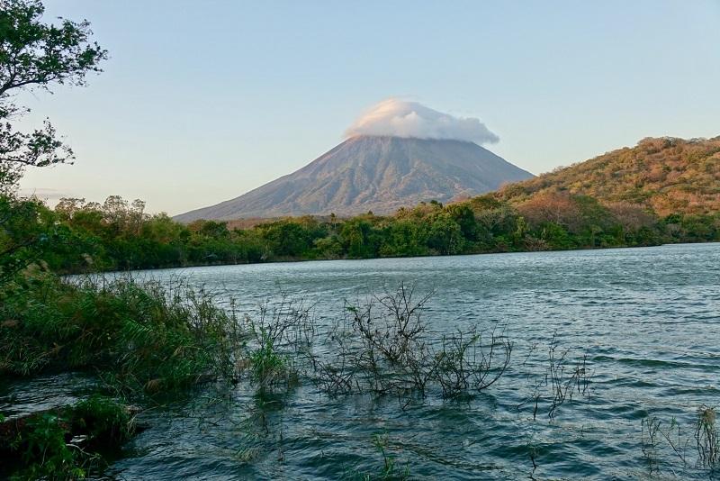 ile ometepe volcan conception