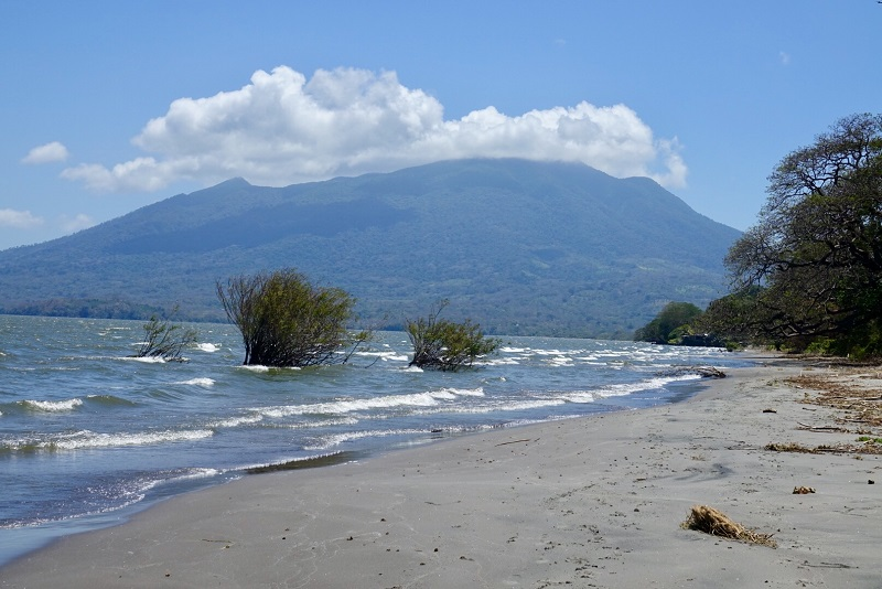 ile ometepe volcan maderas sable