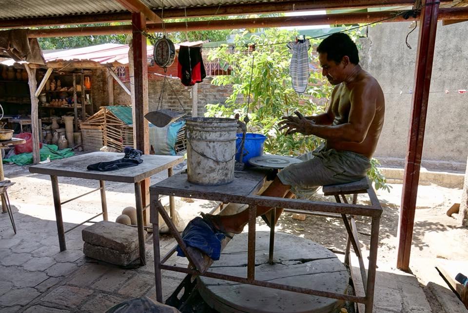 poterie la paz centro apprendre avec artisan potier tour