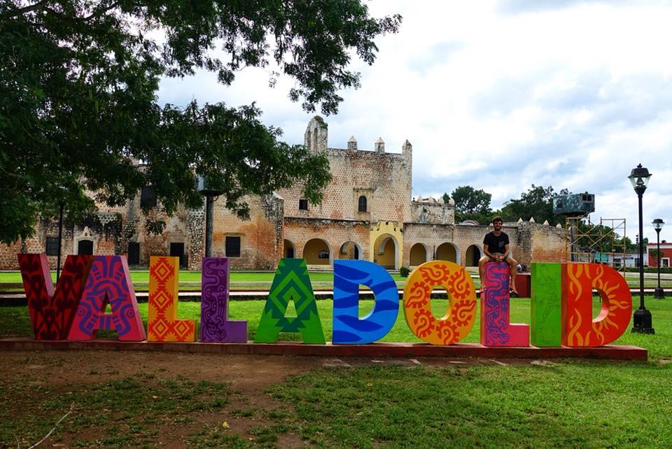 EN voyae dans le Yucatan, Allez à Valladolid