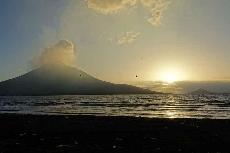 volcan momotombo levée soleil plage