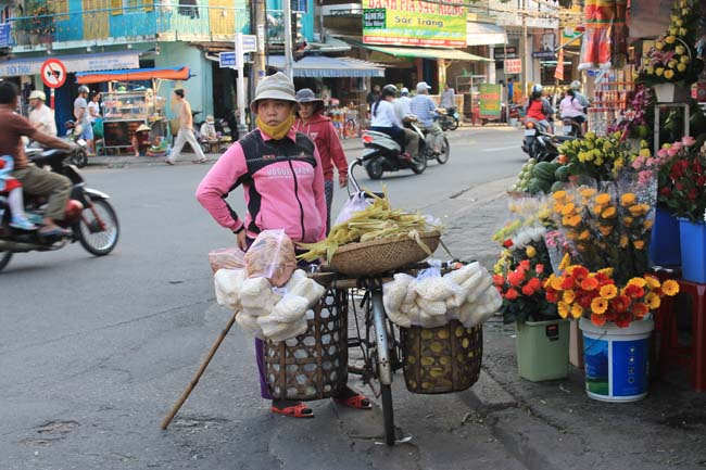 Voyager a Dan Ang loins des circuits touristiques