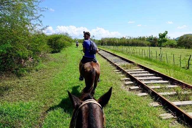 Voyage à Cuba dans la Valle de los Ingenios à cheval