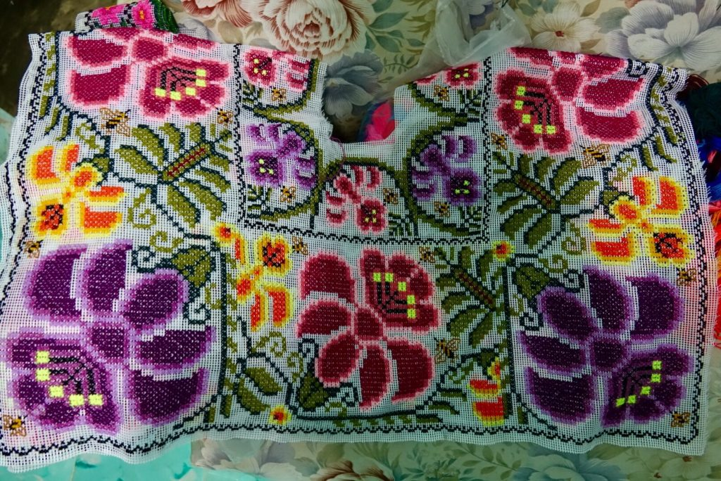 apprendre la broderie et couture maya