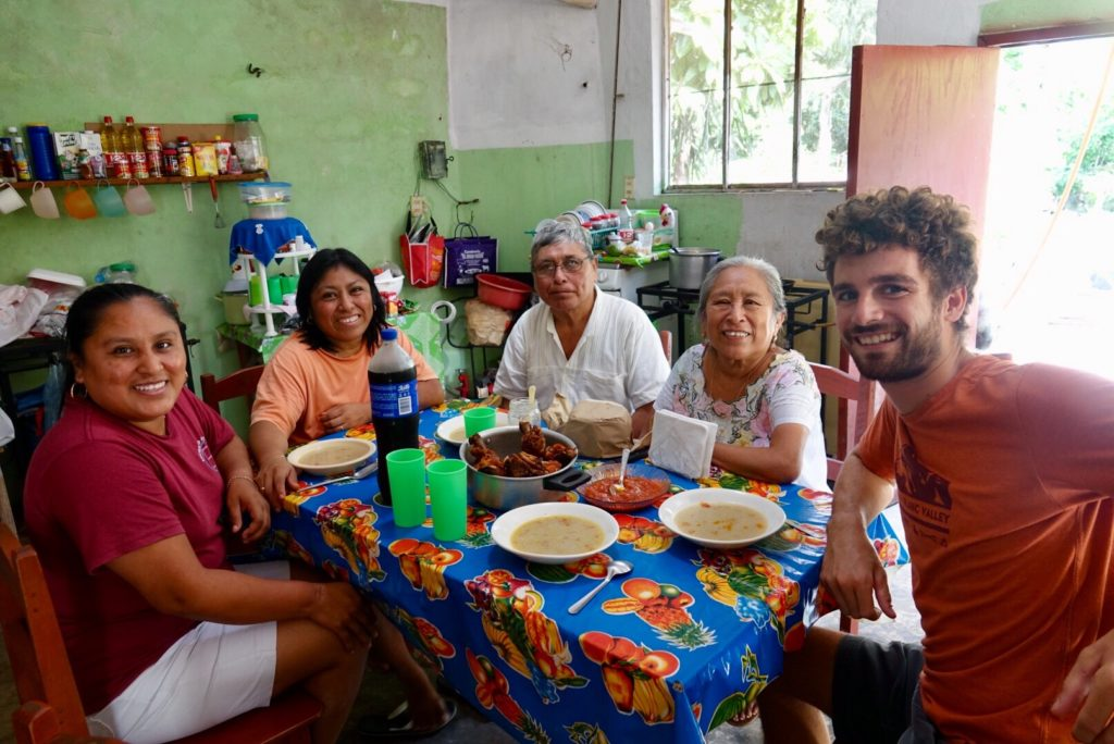 apprendre la couture maya a kimbila