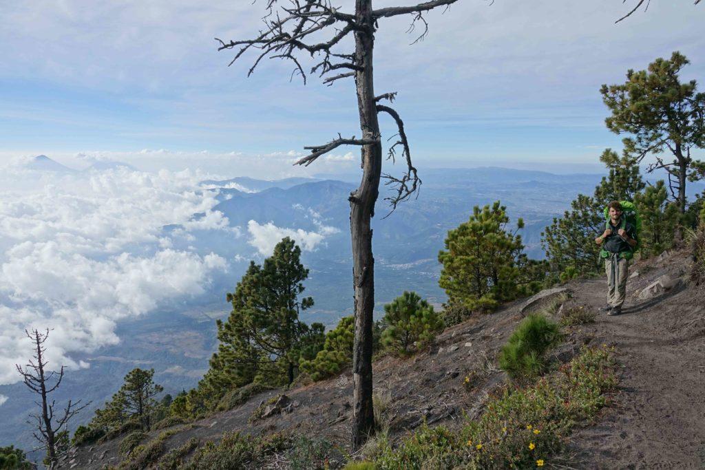 Acatenango ascension en solo backpack